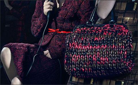 Модная коллекция Prada осень-зима 2010-2011 года: одежда, сумки, обувь.