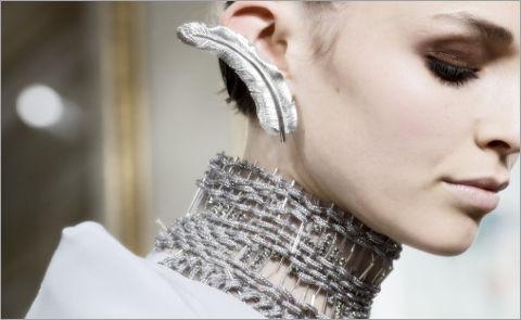 Осенний Couture 2017: аксессуары и украшения