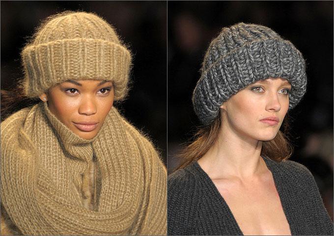 В этом сезоне в моду вернулась вязаная шапка-труба, которая была необычайно популярной в