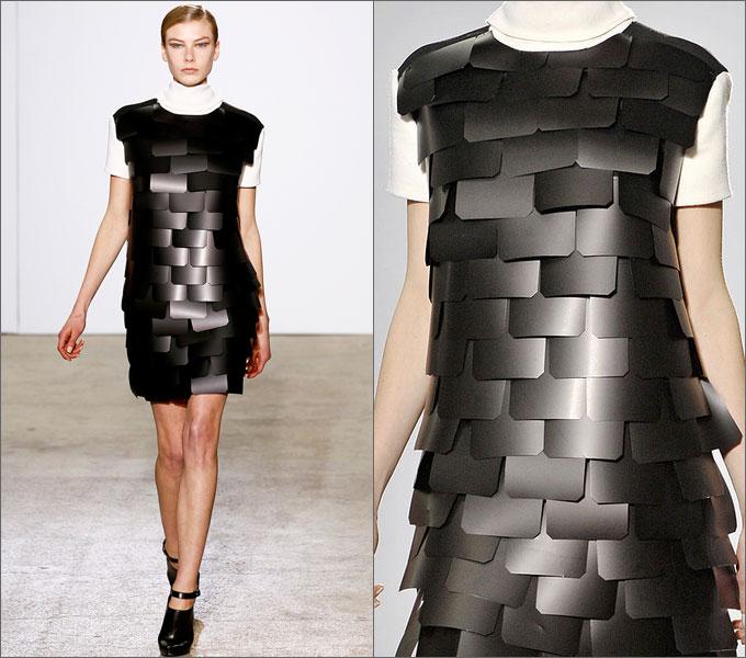 Платье с большими паетками